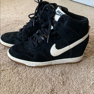 Nike High Top/Wedge black suede and cream
